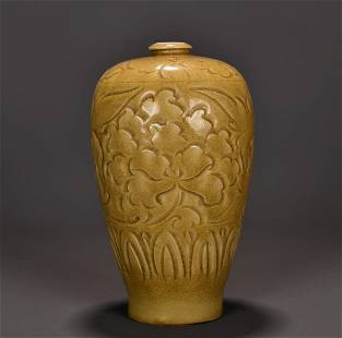 YAOZHOU KILN FLORAL ENGRAVED MEIPING VASE