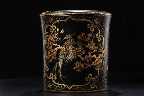 GOLD-PAINTED LACQUERED HARDWOOD BRUSH POT