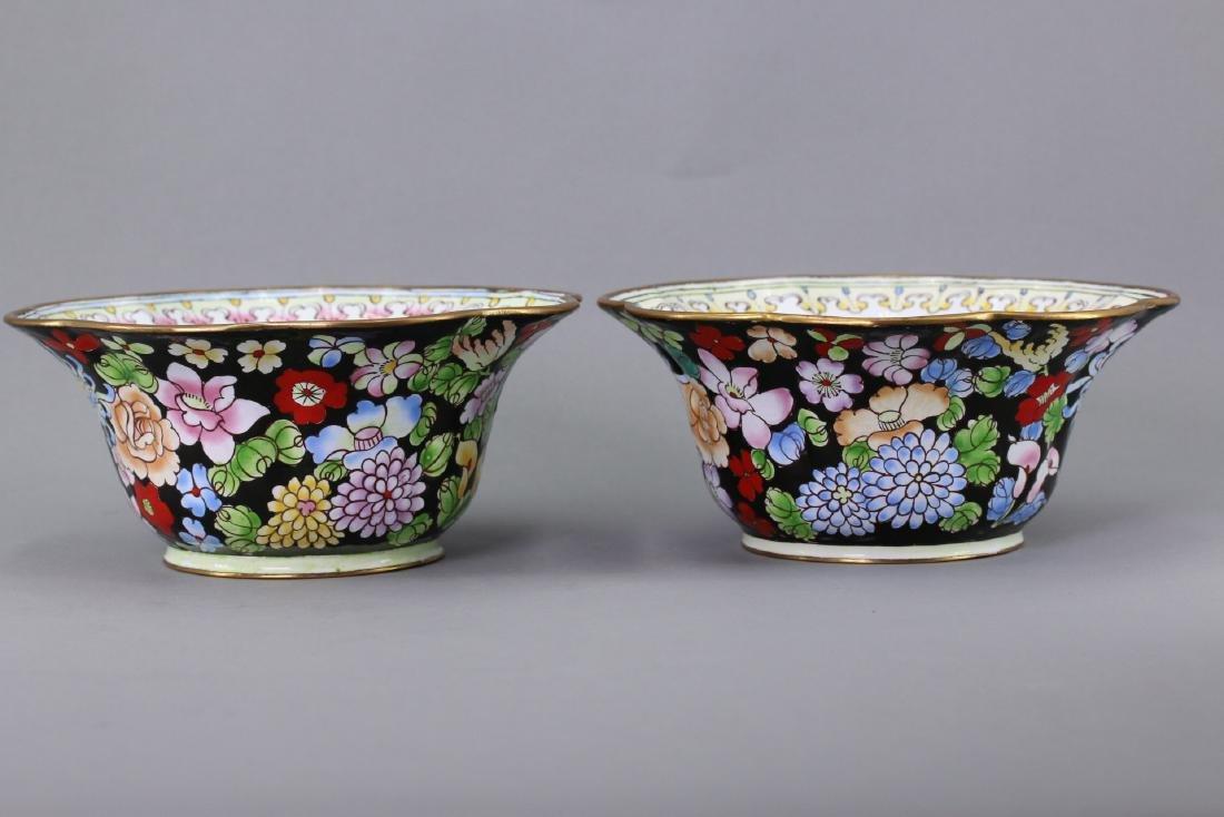 A Pair of  enamel Flower Shaped Bowl