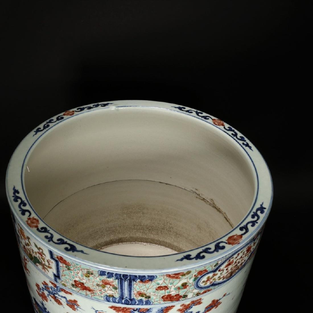 A large Chinese Wucai porcelain brushpot,Wanli marks - 6