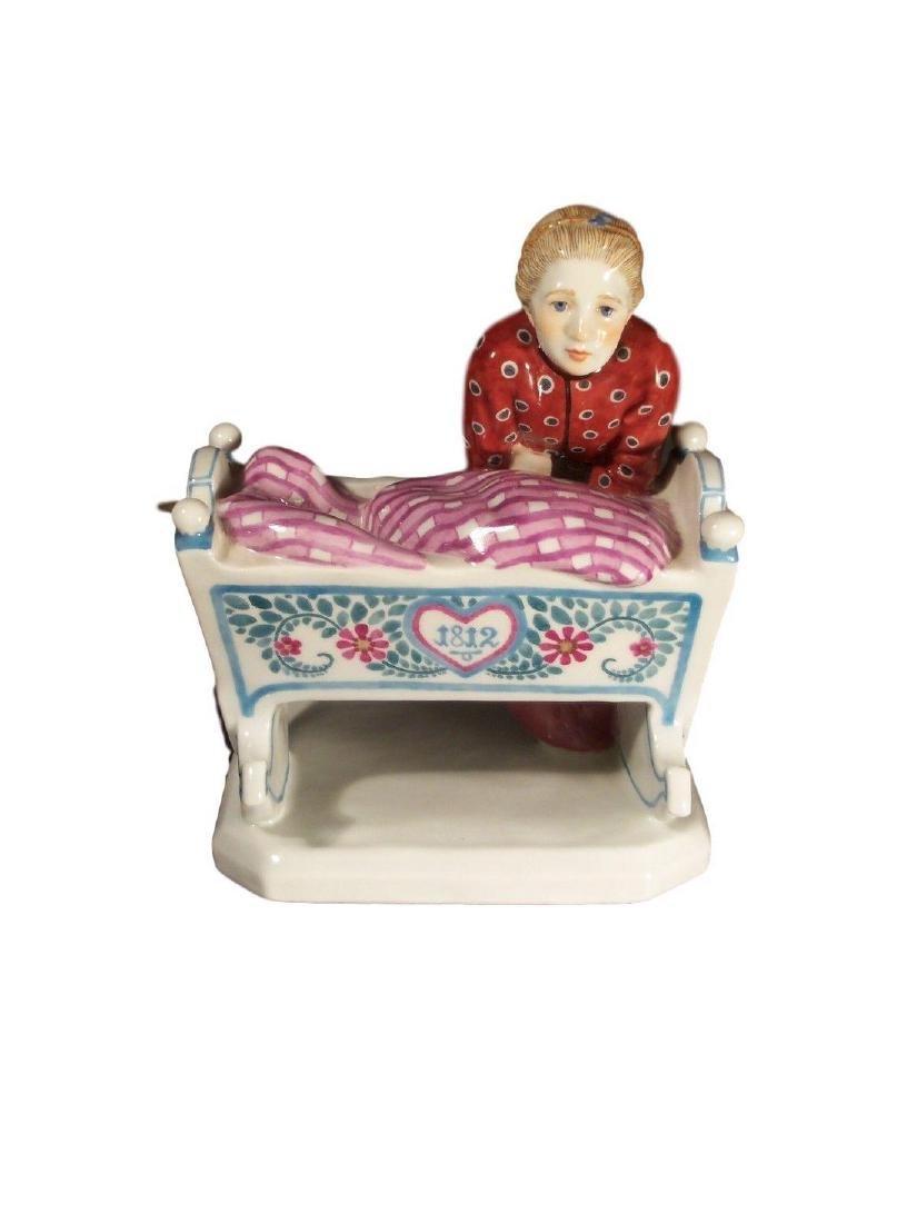 Adorable Antique Meissen Porcelain Art Nouveau Figure