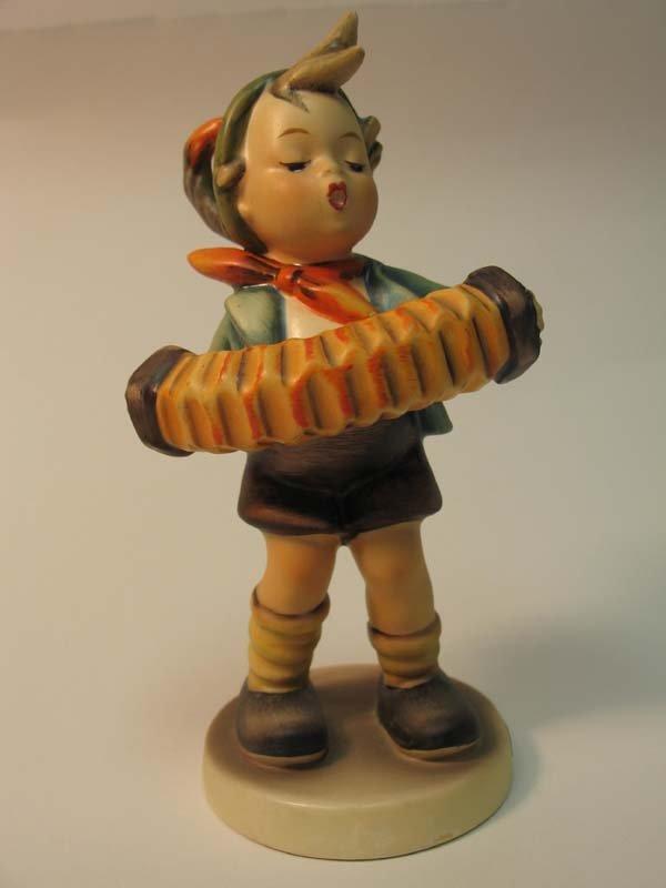 19: Hummel: Accordion Boy, HUM185