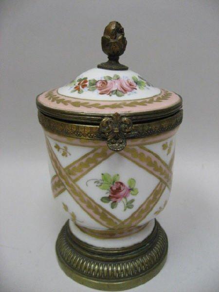 19: A French Porcelain Box,