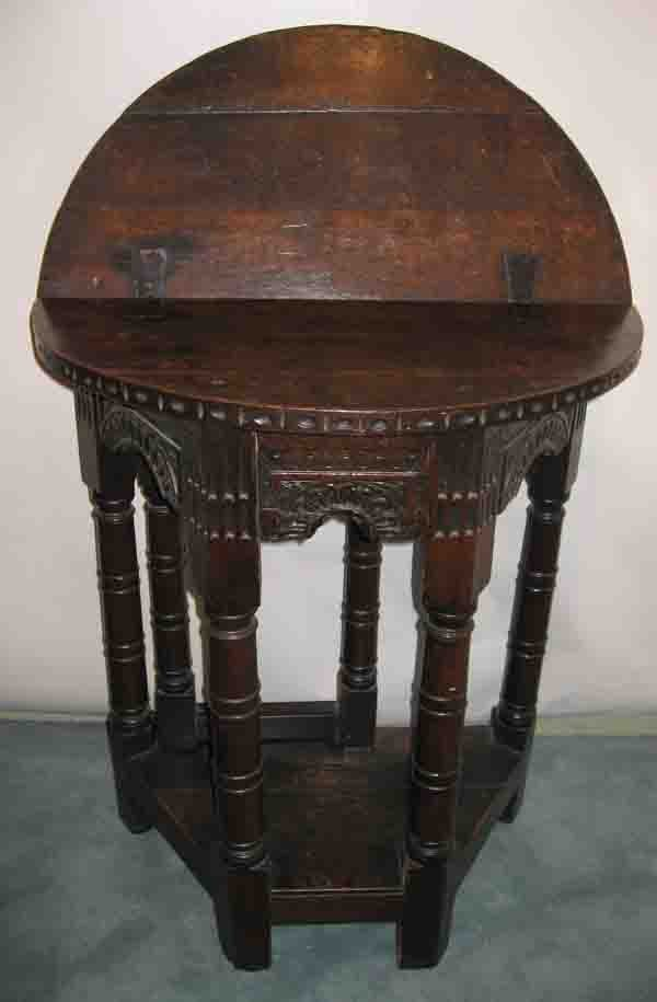 265: An Early 18th C English Oak Table,