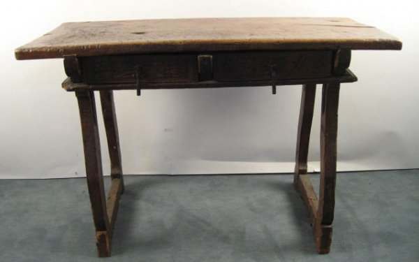 1002: An Early Spanish Table,
