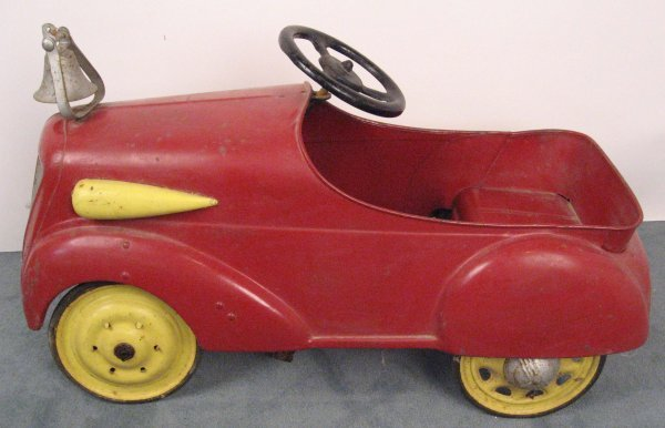 16: A 1930's-1940's Steel Pedal Car,