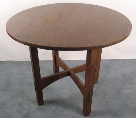 1009: A Stickley Craftsman Tea Table,