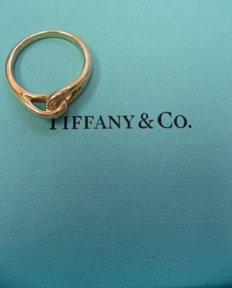 2041: 18k Yellow Gold Tiffany & Co. Ring