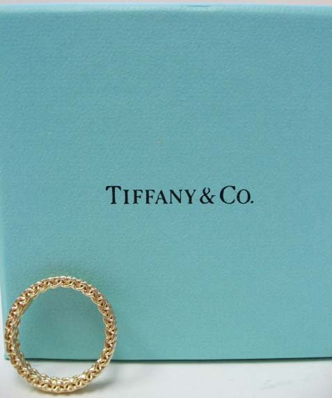 2042: 18k Yellow Gold Tiffany & Co. Ring stiffened mesh