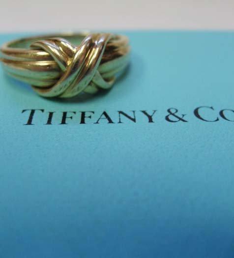 2045: 18k Yellow Gold Tiffany & Co. Signature Ring