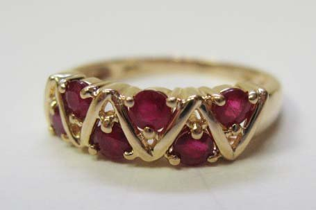 2425: 14k Gold Ruby Ring