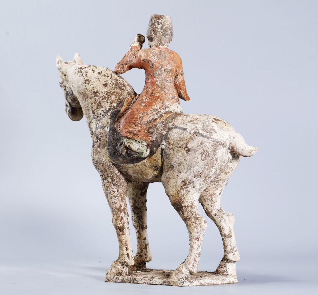WHITE POTTERY PATINTED POTTERY RIDING HORSE - 4