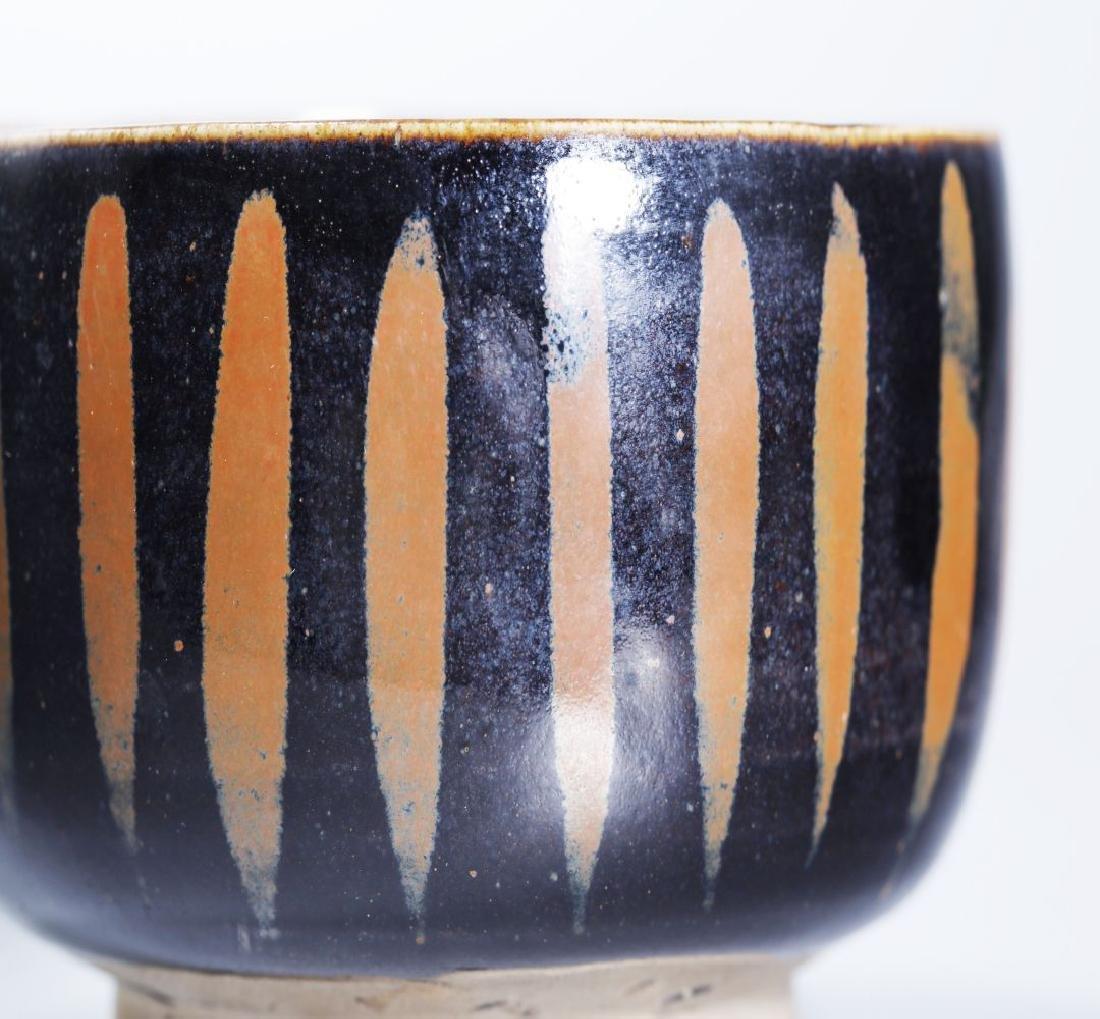 BLACK GLAZED BOWL WITH RUSTY FLOWER - 6