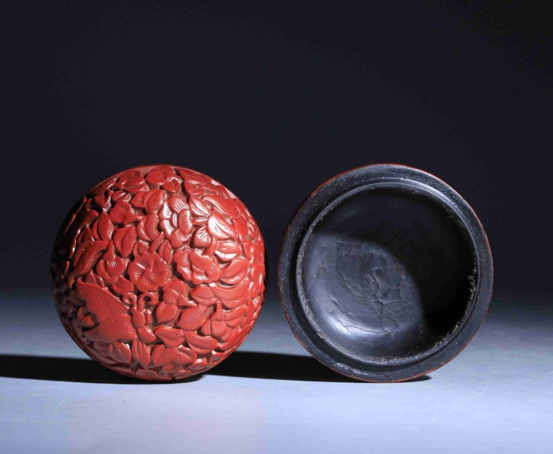 QING DYNASTY LARGE RED PAINTED ROUND POWDER BOX - 3