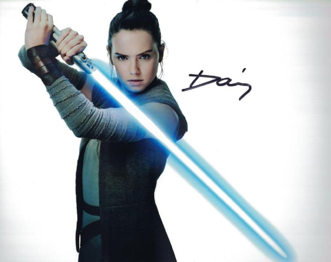 """STAR WARS: The Last Jedi"" Daisy Ridley close-up 8x10"
