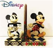 DISNEY  Mickey 80 Years of Laughter sculpture