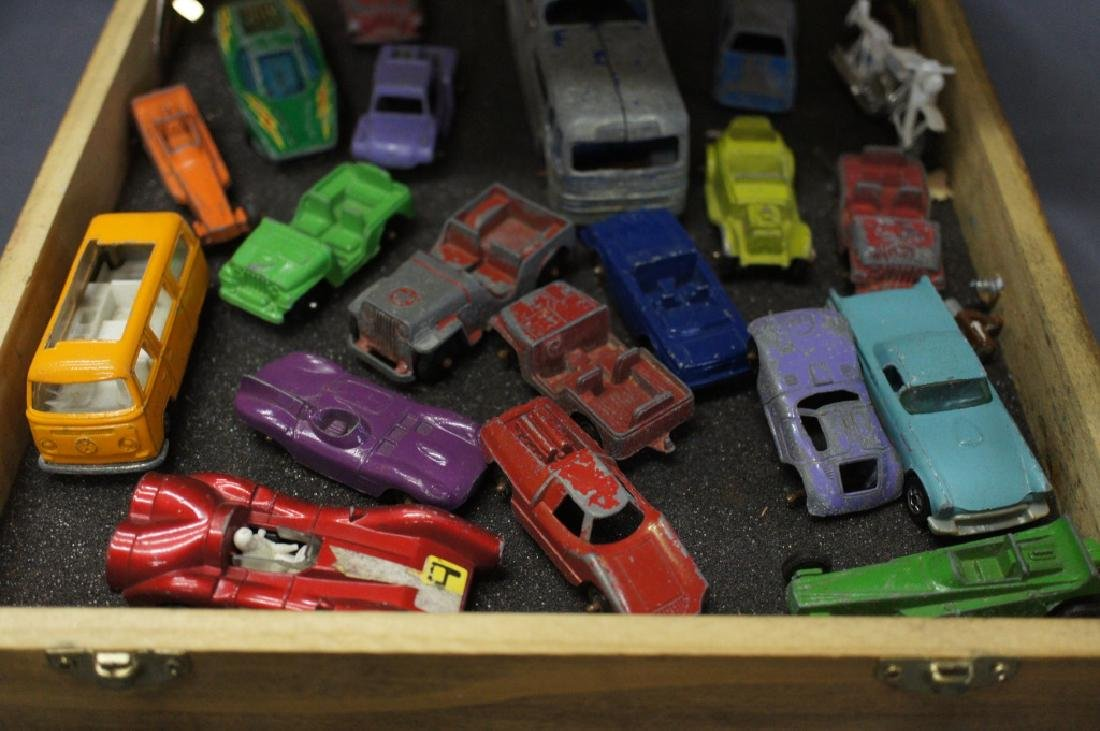 Wooden case filled with assorted vintage toy cars - 2