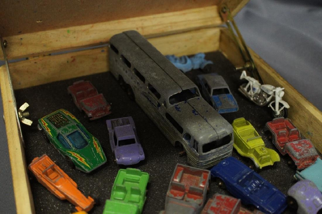 Wooden case filled with assorted vintage toy cars - 3