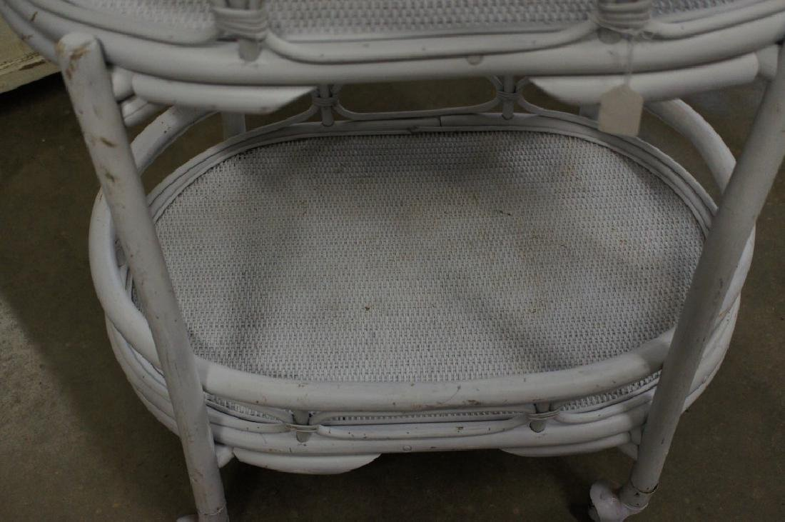 White wicker cart with wheels - 3