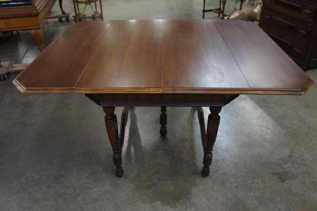 Antique drop lead table with 3 leaves - 2
