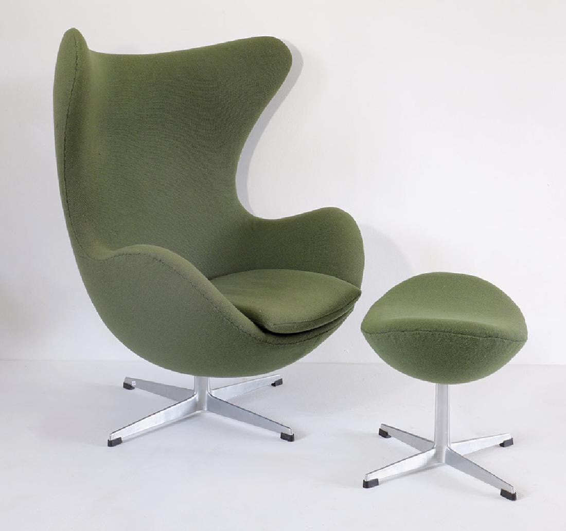 A. Jacobsen,F.Hansen,Egg Chair Mod.3317 + Ottomane