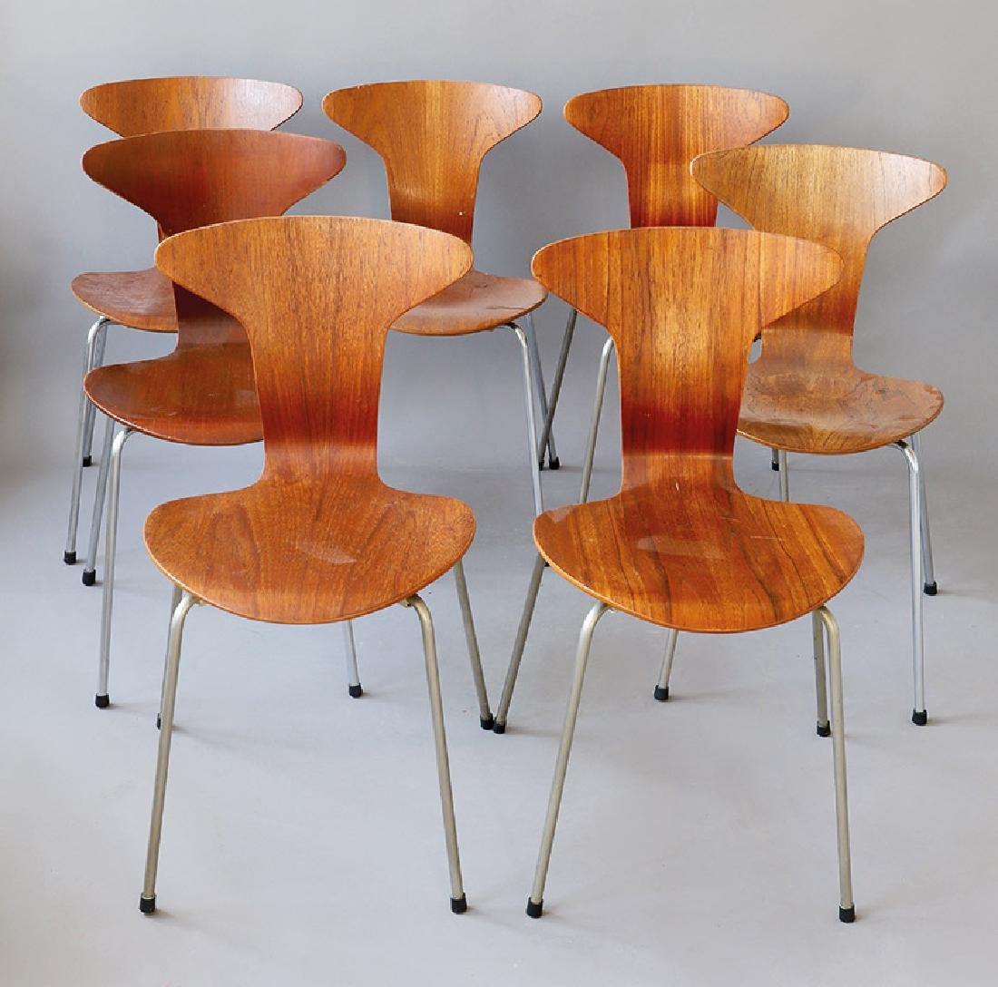 Arne Jacobsen, Fritz Hansen, 7 Stühle Mod. 3105