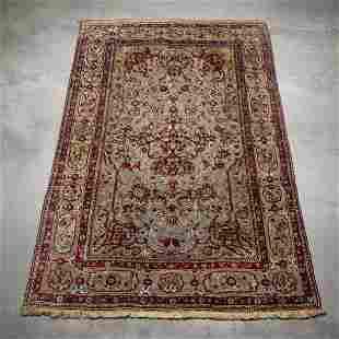 Kumkapi silk carpet