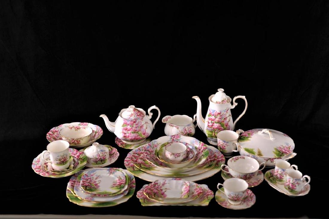 "Large Royal Albert ""blossom time"" pattern dinner"