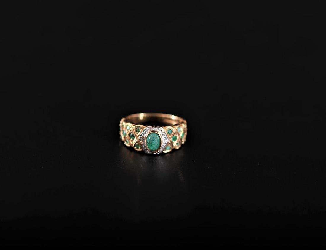 Emerald and diamond 9k gold ring