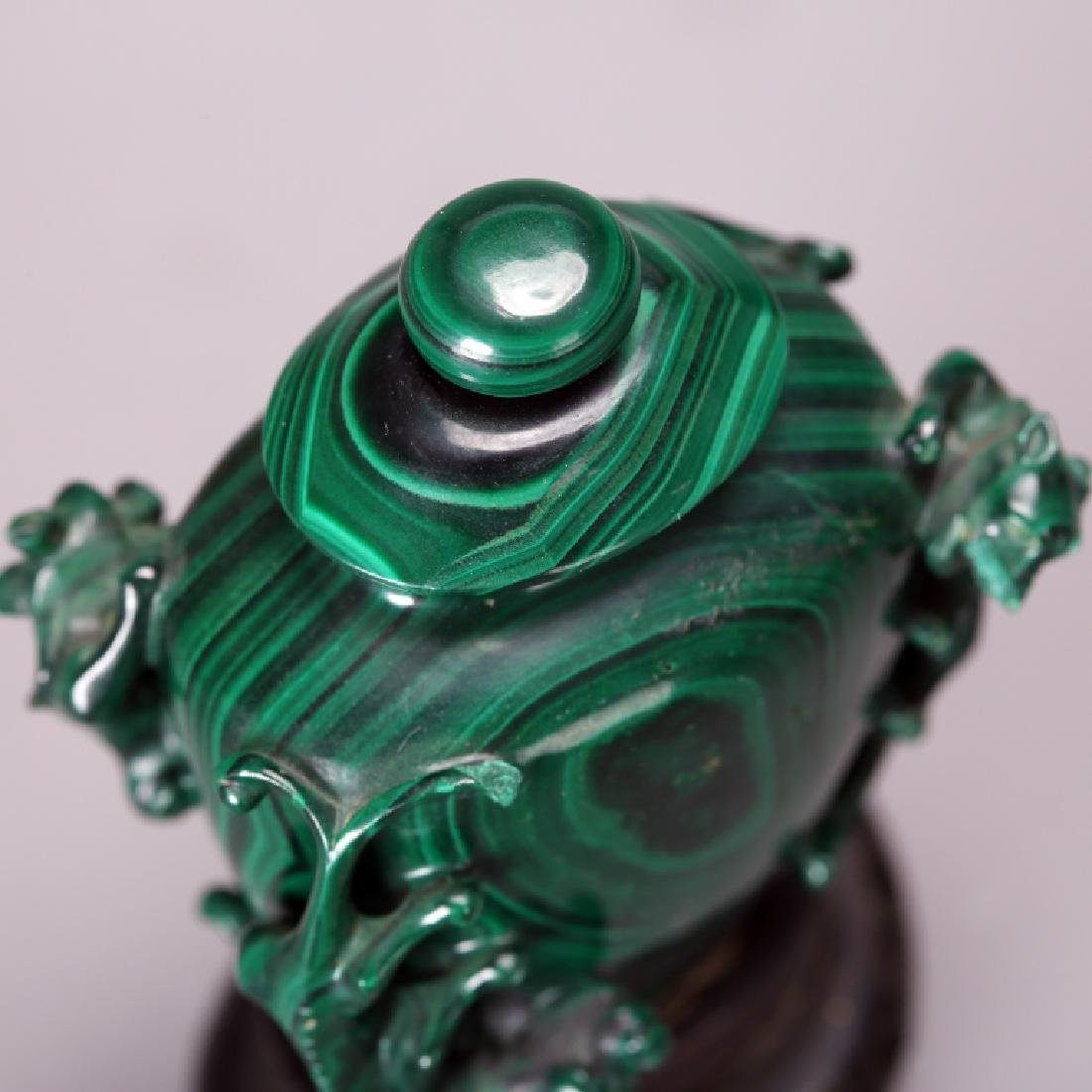 CHINESE CARVED MELACHITE SNUFF BOTTLE - 5