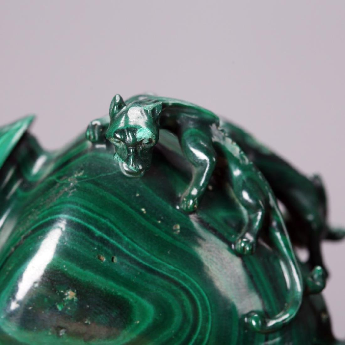 CHINESE CARVED MELACHITE SNUFF BOTTLE - 6