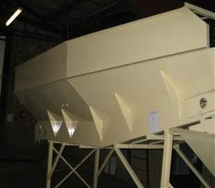 1: Haith bulk infeed conveyor with hopper 2 ton capacit