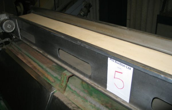 5: Neoprene belt conveyor
