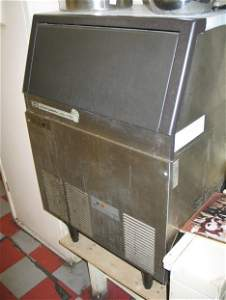 15: Scotsman AC-175 ice maker stainless steel