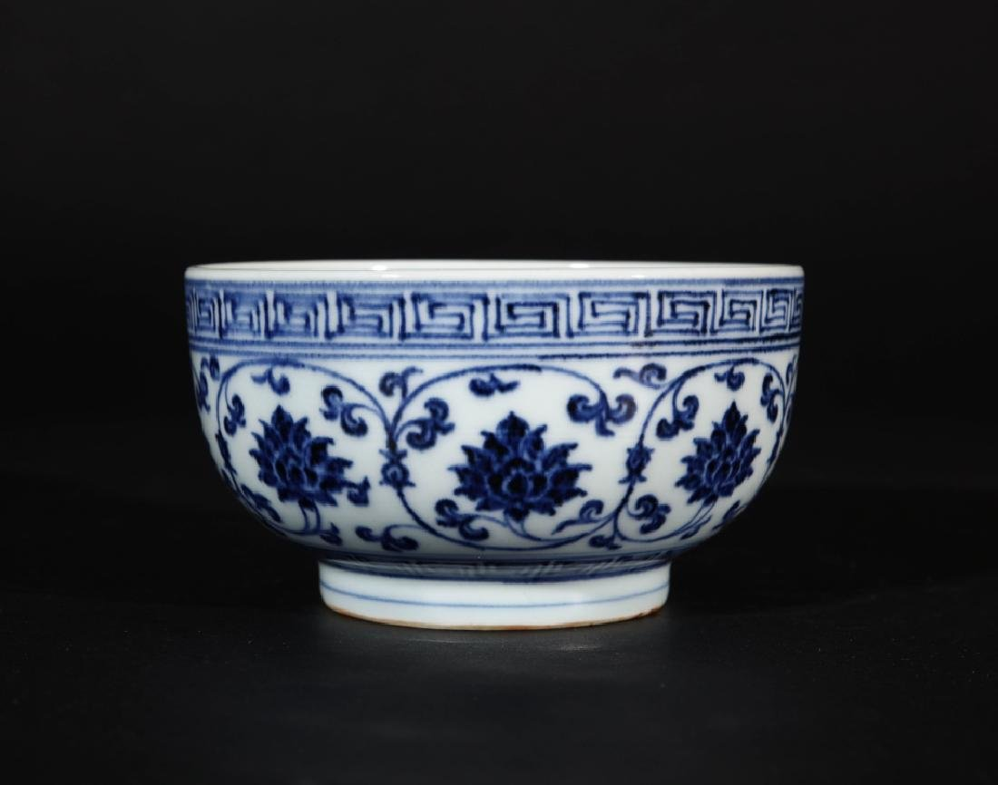 CHINESE XUANDE MARK BLUE AND WHITE PORCELAIN BOWL