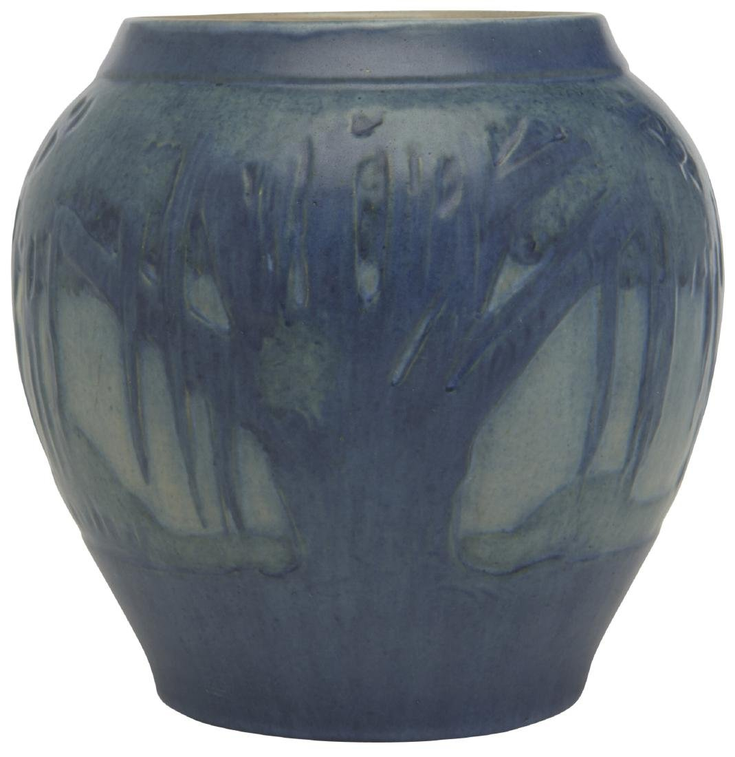 Jonathan Hunt for Newcomb College vase - 2