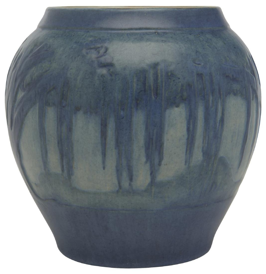Jonathan Hunt for Newcomb College vase - 3