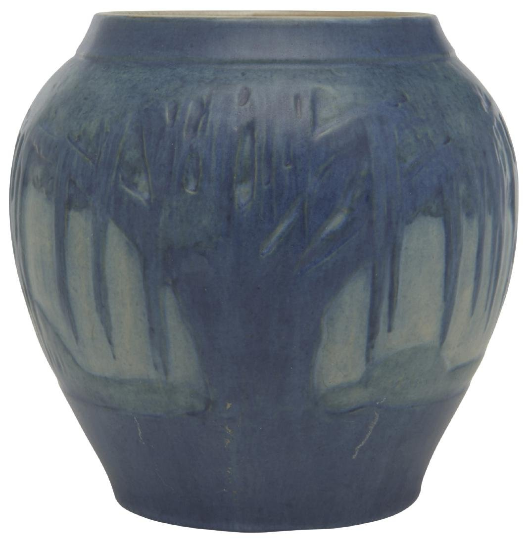 Jonathan Hunt for Newcomb College vase - 4