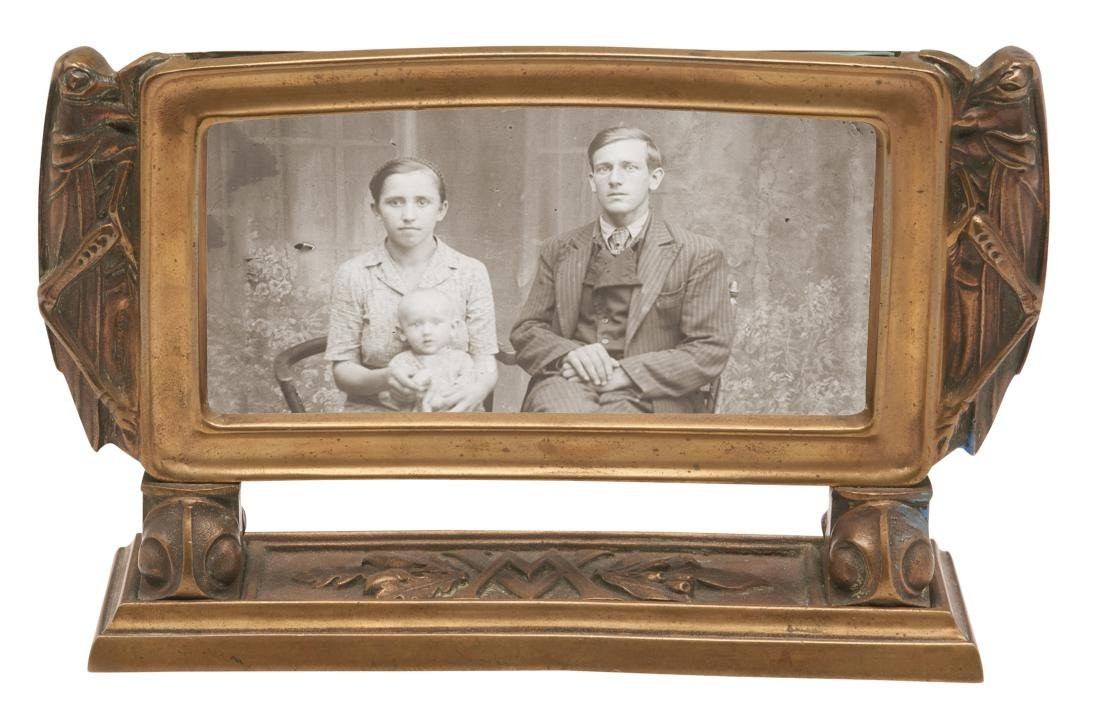 Arts & Crafts frame