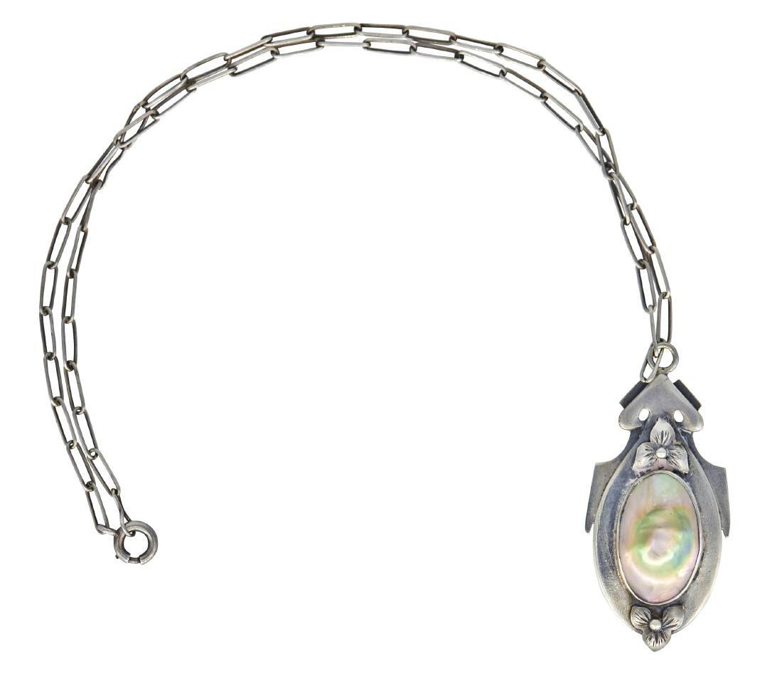 Kalo pendant necklace