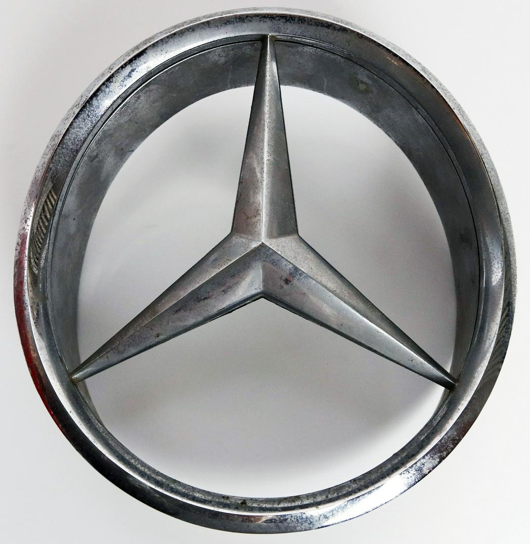 Mercedes-Benz Original front star of type Pagode