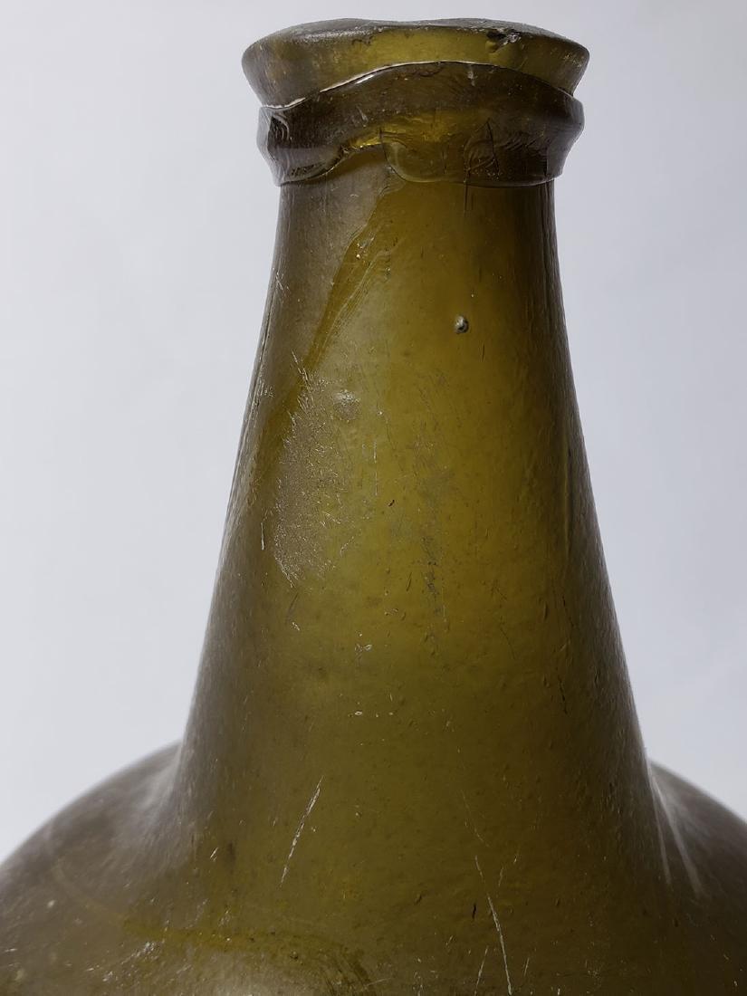 Fine Dutch Onion Olive Color Bottle 17th c Open Pontil - 3