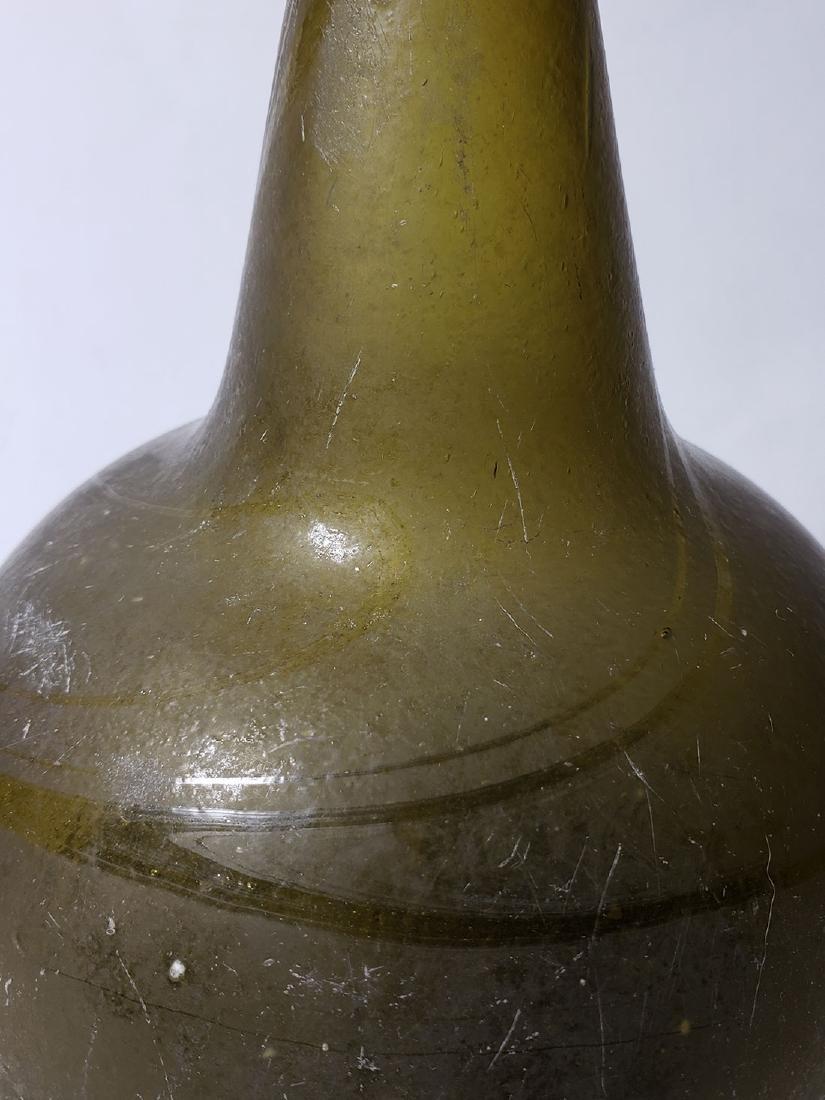 Fine Dutch Onion Olive Color Bottle 17th c Open Pontil - 4
