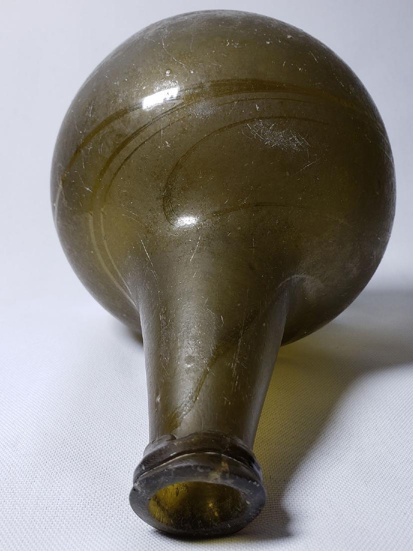 Fine Dutch Onion Olive Color Bottle 17th c Open Pontil - 7