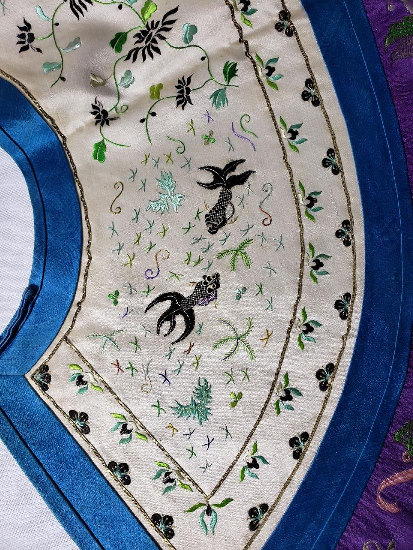 A very Fine Chinese Silk Collar late Qing Period