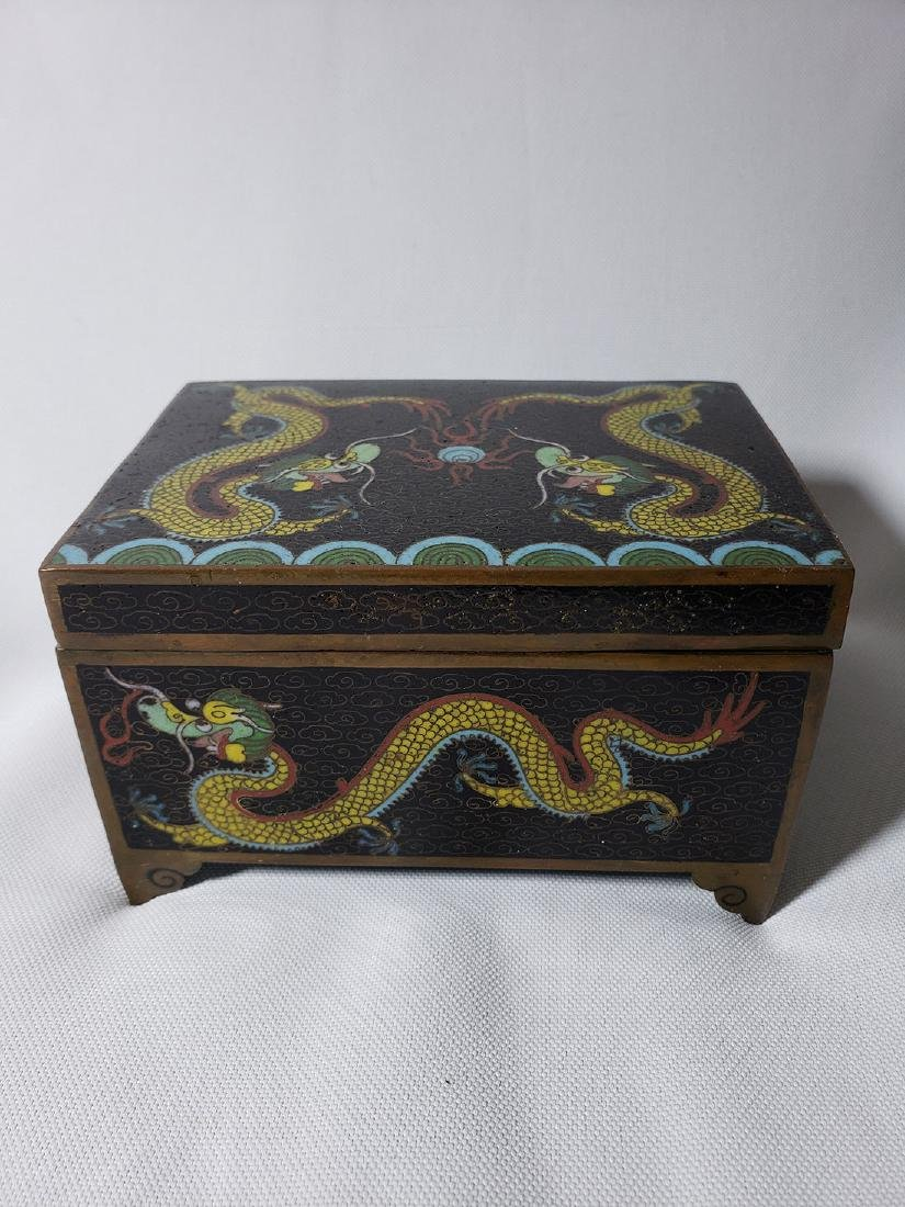 A fine vintage Chinese cloisonne box with dragons