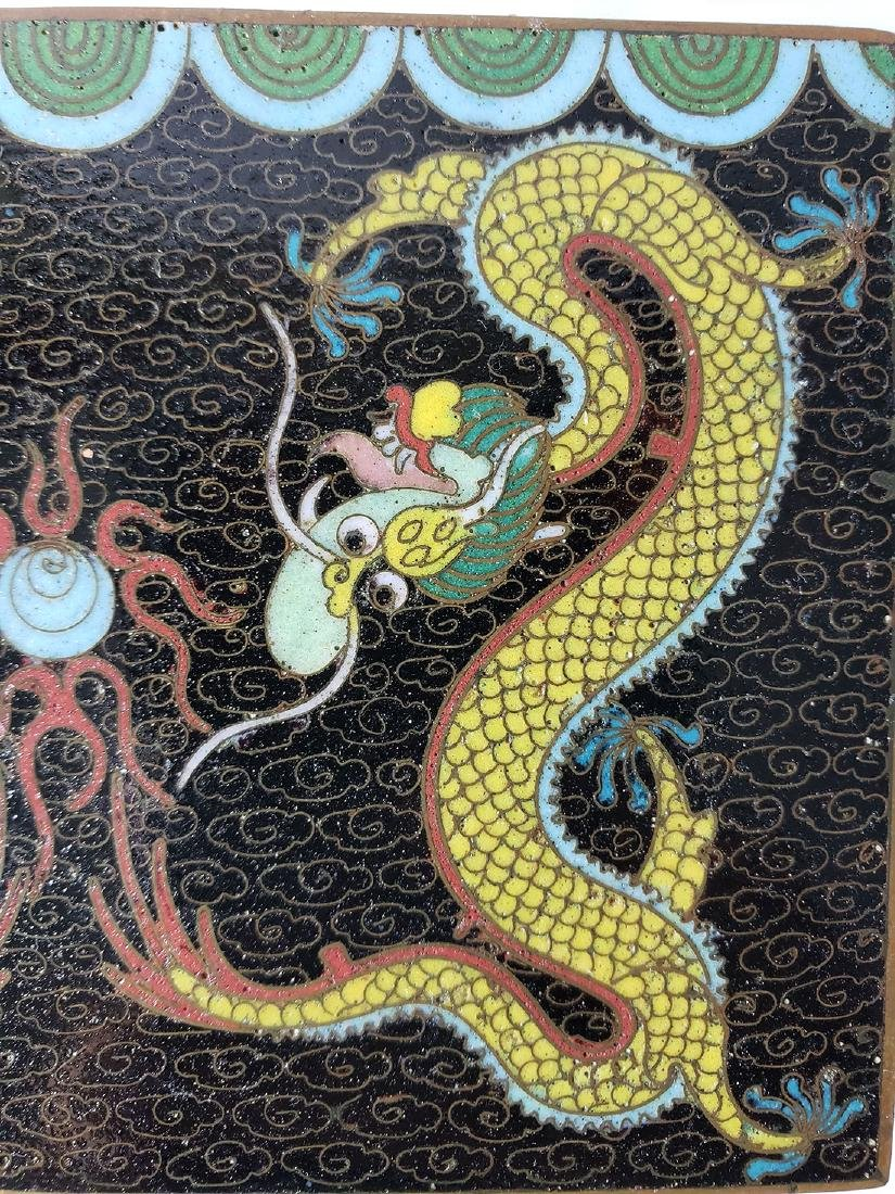 A fine vintage Chinese cloisonne box with dragons - 9