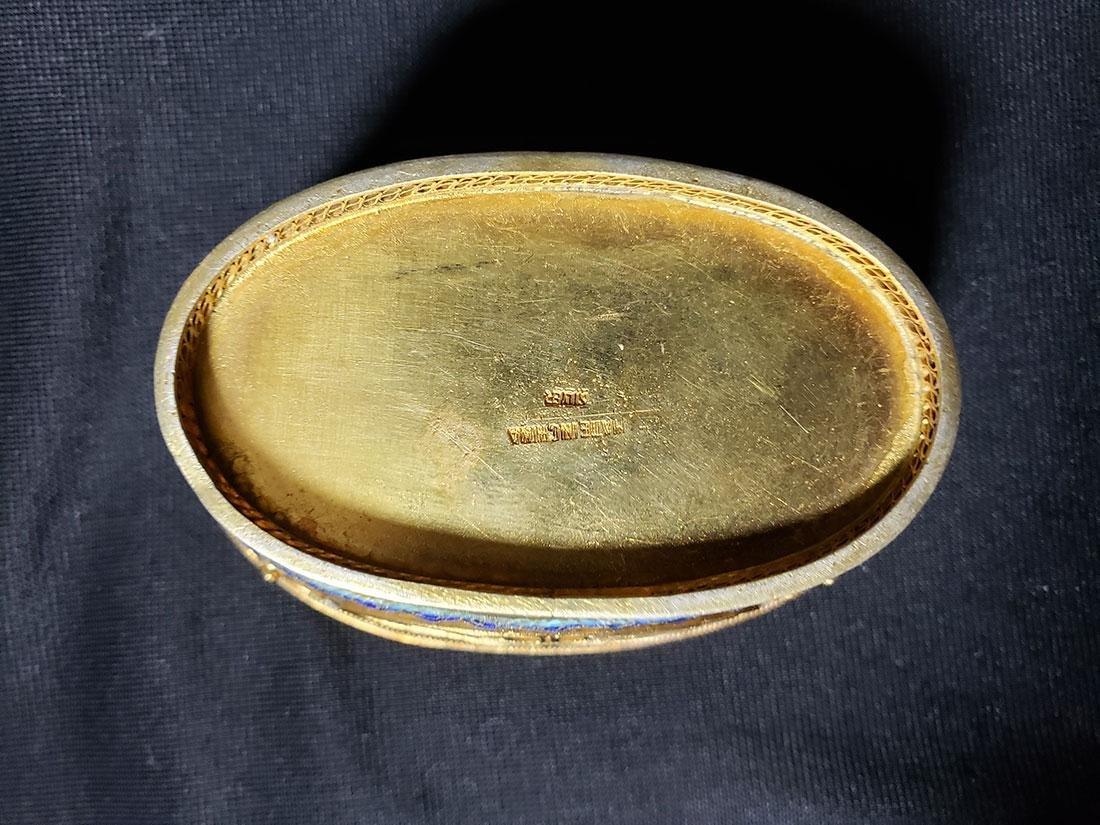 A very fine Chinese enamel sterling dresser set 1900-20 - 10