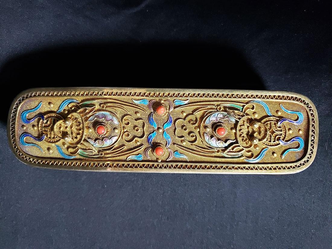 A very fine Chinese enamel sterling dresser set 1900-20 - 3