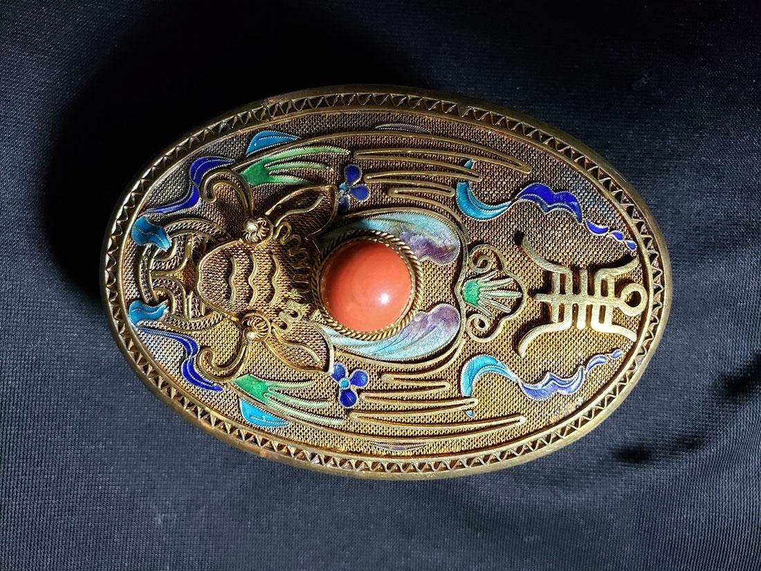 A very fine Chinese enamel sterling dresser set 1900-20 - 7